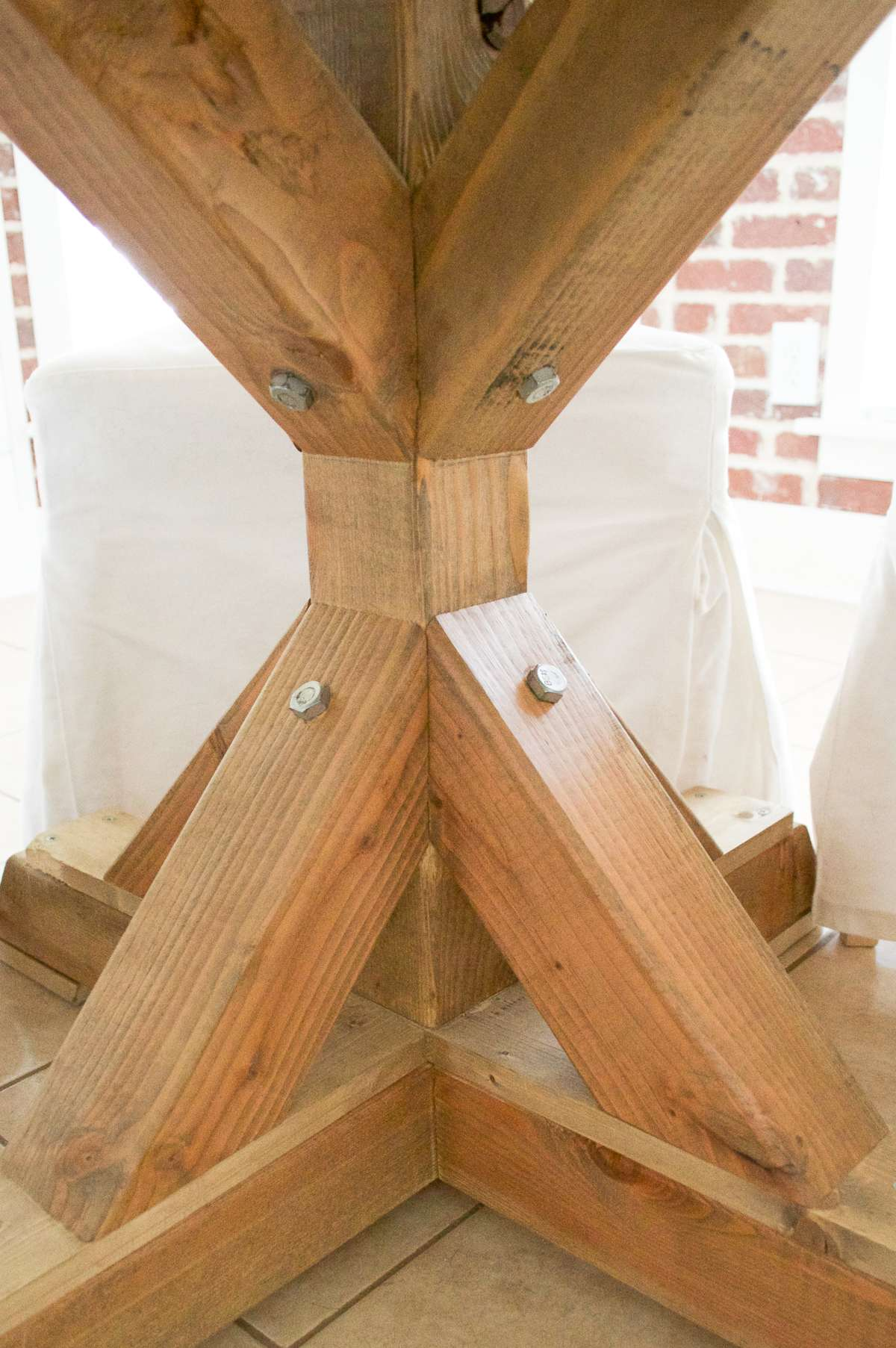 Round Farmhouse Dining Table base stained
