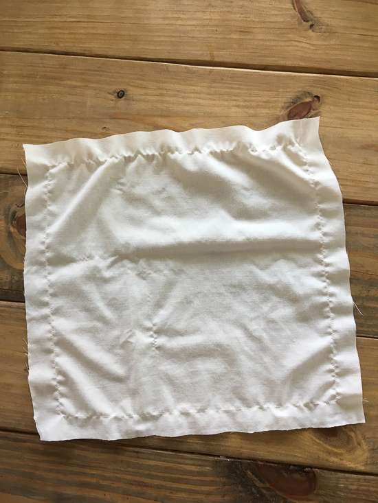 diy fringe napkins / fringe napkins from a pillowcase